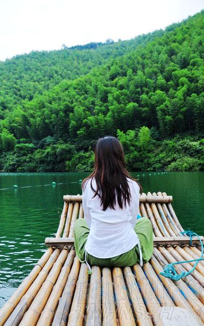 乘一叶扁舟去看竹