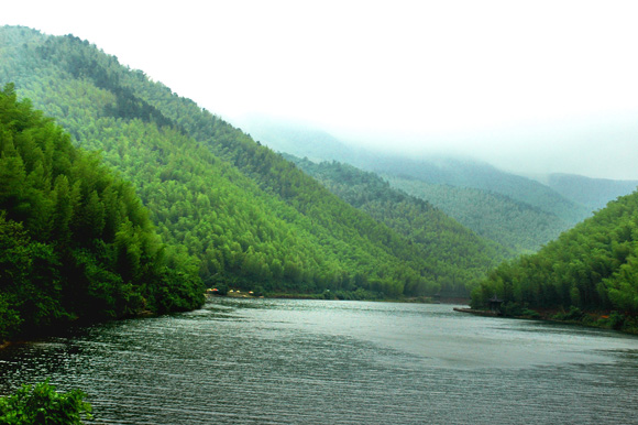 南山竹海镜湖